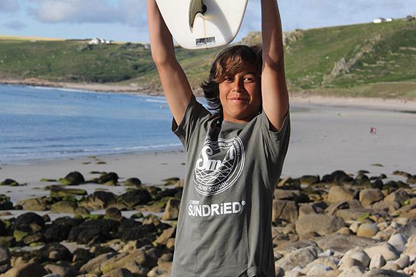 Sashka-Wardle-Surfer-for-SUNDRiED-2_main
